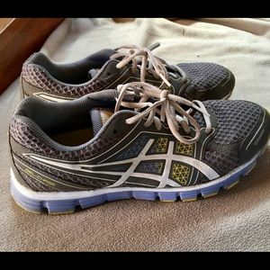 Nice and comfortable ASIC sneakers